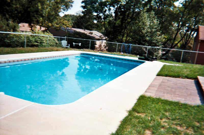 Conor kelly concrete contractors pictures 3 pool decks for Best pavers for pool deck